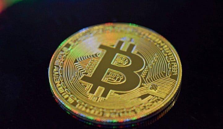 Bitcoin dispara para US $5.600, R$ 23 mil no Brasil