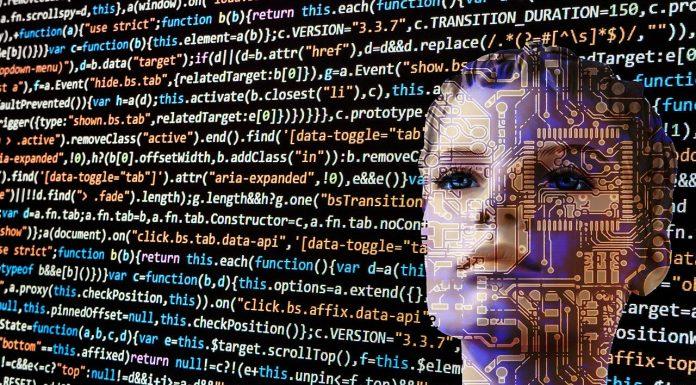 Mulher com Código