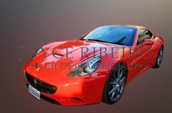 Ferrari California da Indeal sendo leiloada