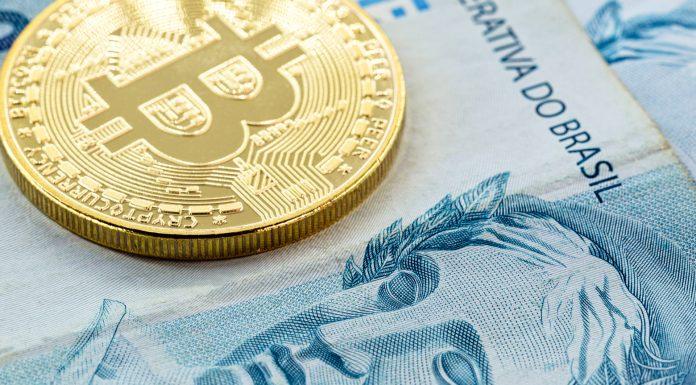 Bitcoin e Nota de Real brasileiro