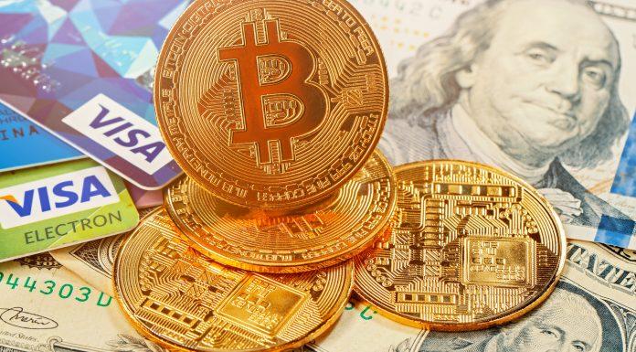 Bitcoin, Visa e Dólar ao fundo