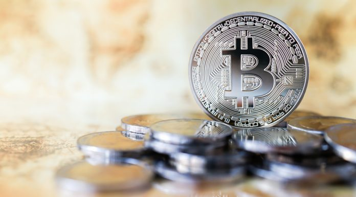 Bitcoin e moedas de prata