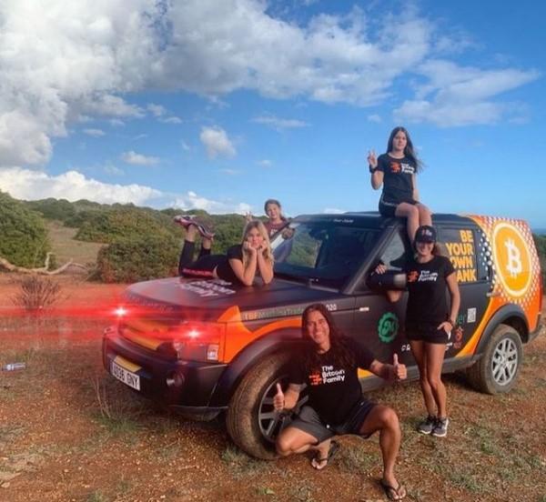 Família Bitcoin na estrada