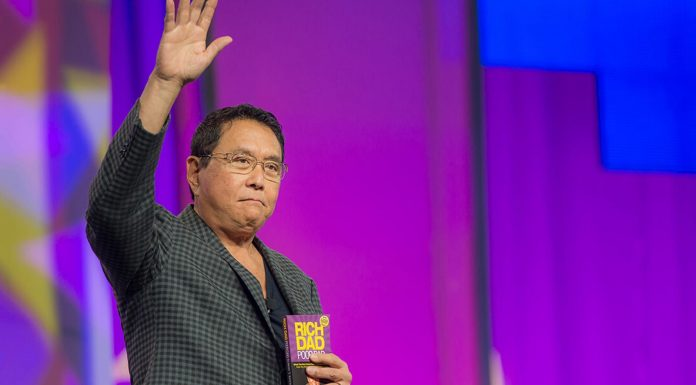 Robert Kiyosaki, autor de pai rico pai pobre