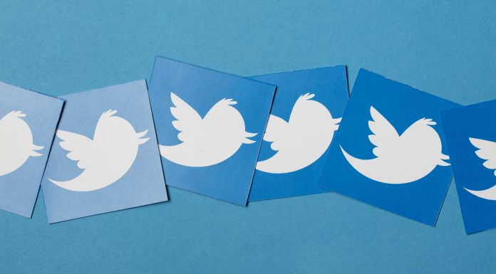 Símbolo do Twitter em blocos