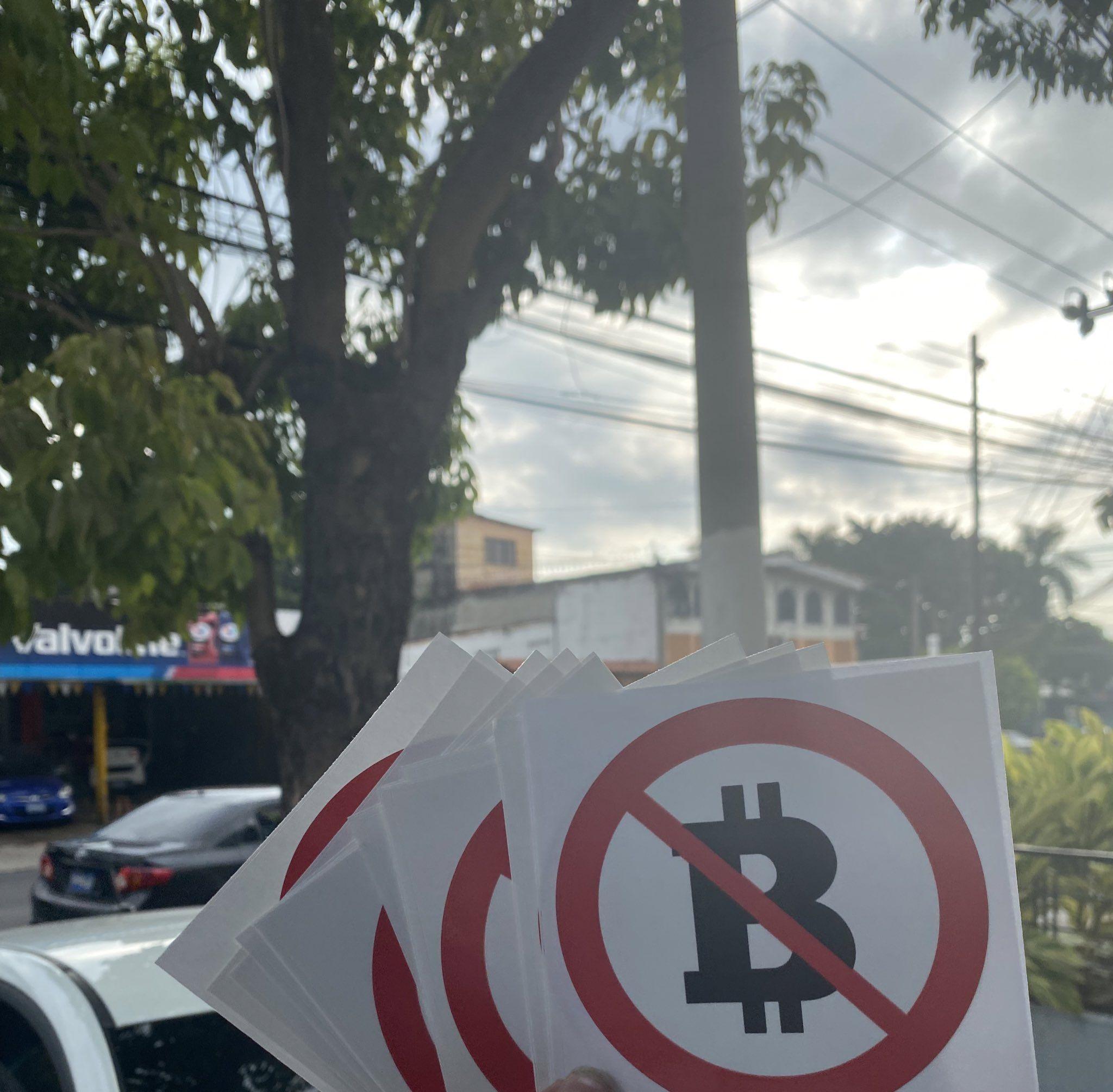 Adesivos contra Bitcoin