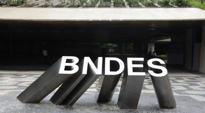 Edifício sede do BNDES (Banco Nacional de Desenvolvimento Social) no centro da cidade do Rio de Janeiro