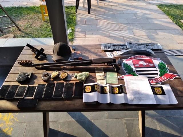 Produtos apreendidos pela Polícia de São Paulo em Operação que salvou investidor de criptomoedas de Campinas