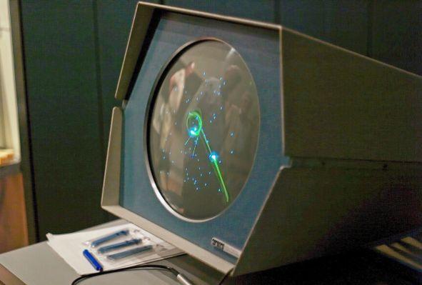 SpaceWar på datidens computer.